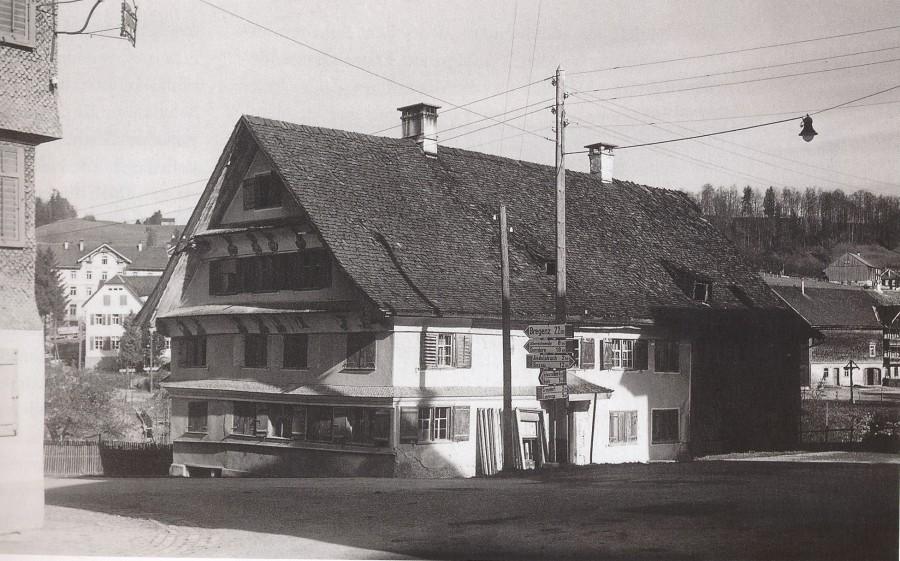Figurenhaus in Egg 1945